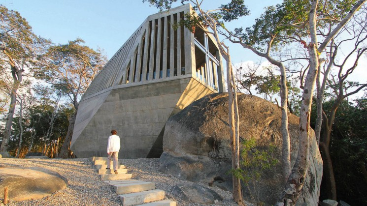 Sunset Chapel in Acapulco, a project by Esteban Suarez