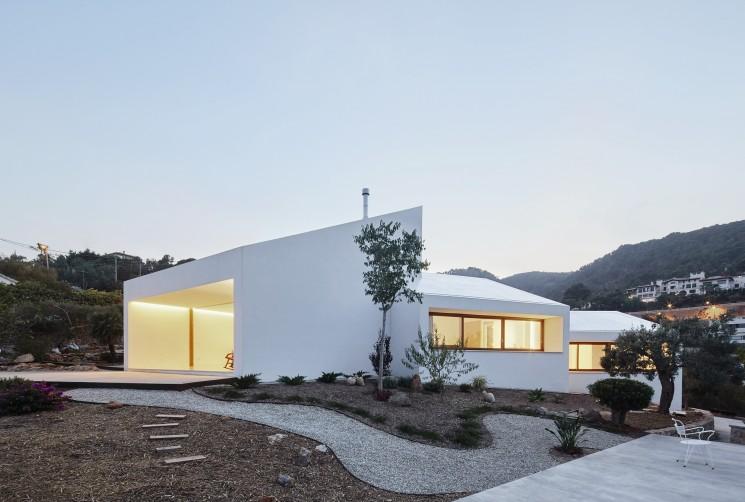 MM PASSIVHAUS in Palma de Mallorca by OHLAB Architecture